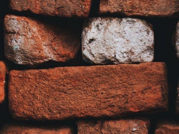 Bloco estrutural de barro